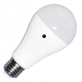 LED Крушка - 9W E27 A60 Термо Пластик Бяла светлина Сензор ден и нощ